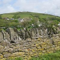SS4439 : Ora Hill and mast, Croyde