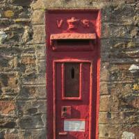 SX8751 : Victorian postbox, Dartmouth