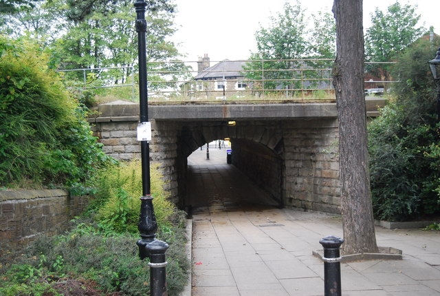 SE3055 : Under the railway line